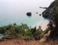 Milopotamos, l'une des plus belles plages de Grèce