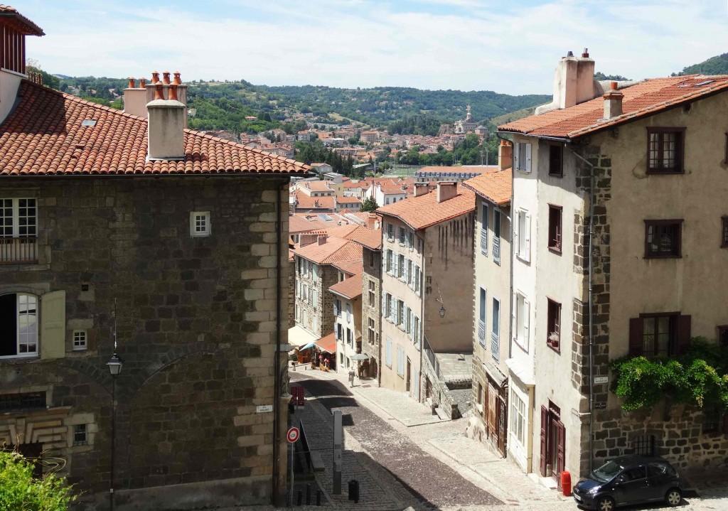 Départ de la cathédrale du Puy-en-Velay sur le Chemin de Compostelle