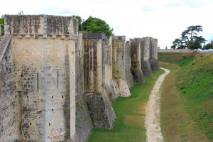 Remparts de la cité médiévale de Provins