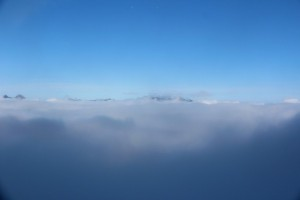 Col des lacs dans les nuages