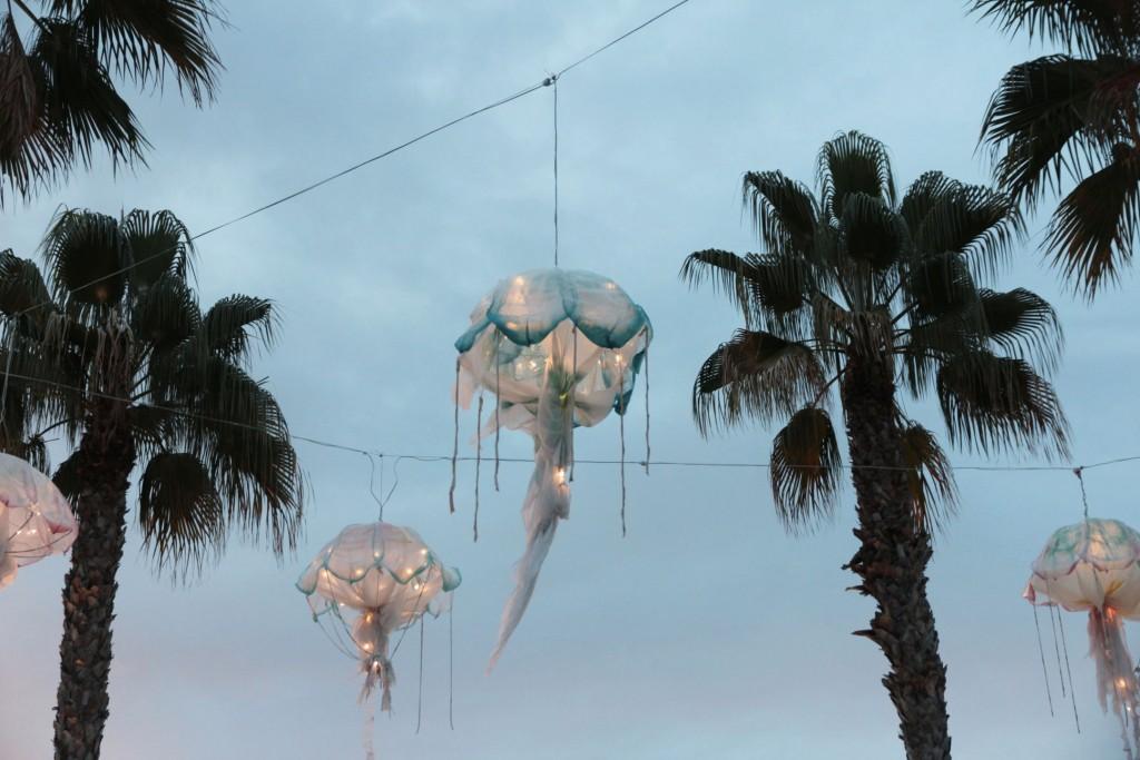 Méduses sur le port de Malaga