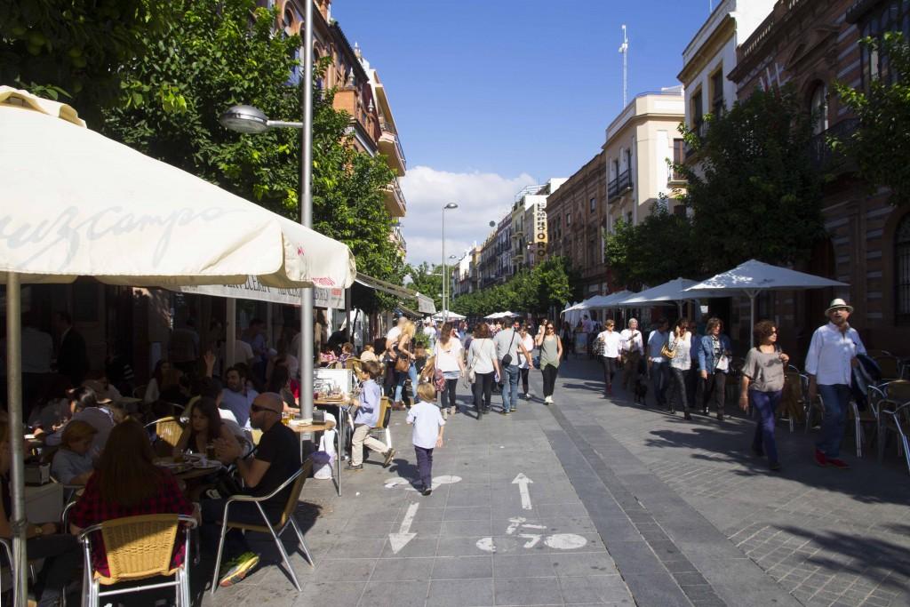 Rue piétonne à Séville