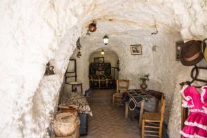 Maisons trogolodytes (cuveas) du Sacromonte à Grenade