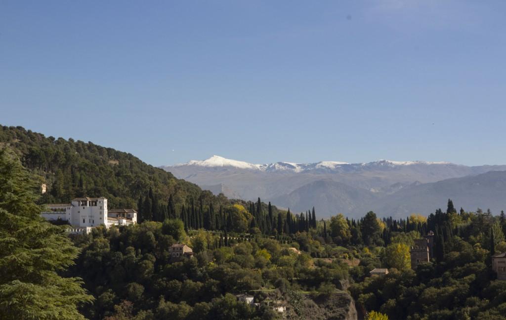 Massif montagneux de la Sierra Nevada à Grenade