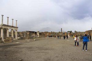 Le forum à Pompéi