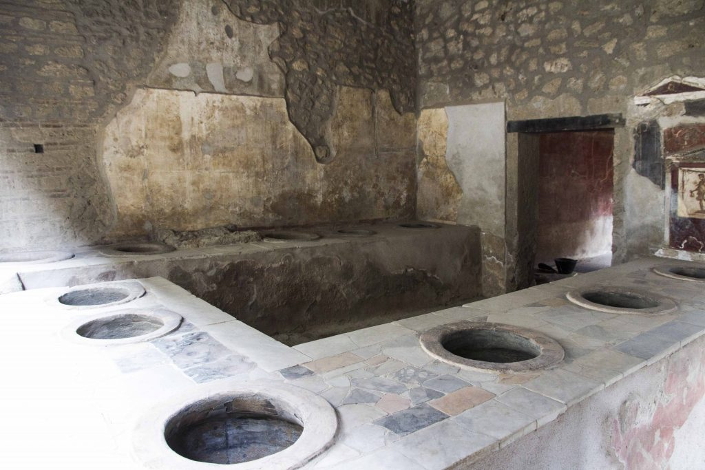 Thermopolium du laraire à Pompei